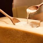 ジュリエッタ - 濃厚チーズの器で作るパルミジャーノリゾット