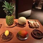 90483931 - ●デザート                         6種類があり、マンゴー、栗、レモン、メロン、玉子、パイナップルの中から