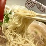 麺処 あす花 - 麺は細麺
