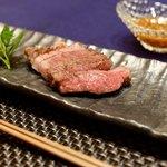鉄板中華 伊とう - A5等級和牛イチボのステーキ