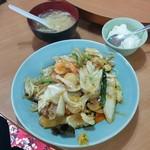 グルメチャイナ坊上海酒家 - 料理写真:五目焼きそば(650円)