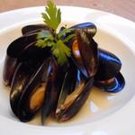 ワインカフェ - ムール貝の白ワイン蒸し