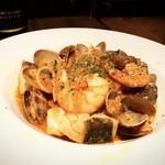 葡萄酒酒場 カリテプリ - 魚介のトマトパスタ