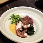 博多よし魚 - 地タコ酢。