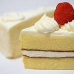 洋菓子エレン - 料理写真:苺のショートケーキ、レアーチーズ