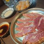 伊勢屋本店 - 肉3
