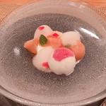 ビストロアム - 桃のブランマンジェ ~ココナッツと赤桃のアイスクリーム~