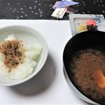万助楼 - 食事 土鍋ご飯 留め椀 香の物