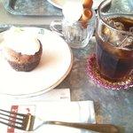 Cafe echelle - 料理写真:蒸し焼きショコラ 650円(ドリンク付)
