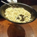90512338 - (2018年8月 訪問)メキシコ料理:エスカモーレ。ガーリックの風味が立つ良い香りがします~。