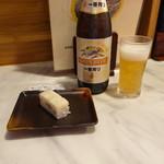 麺家 いさむ - 鯛押し寿司(160円)、一番搾り(550円)