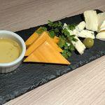 90521905 - チーズ盛り合わせ