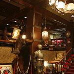南海グリル - 玄関でスペイン闘牛のトロちゃんが皆様をお出迎え!!