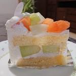 美園菓子司  - メロンのショートケーキ