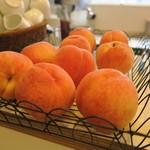 幸せのパンケーキ - 季節の桃