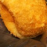 サン モンテ - 料理写真:素朴なカレー揚げパン。
