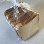 はるゆたか - 料理写真:もっちり香りよい食パン。
