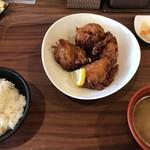 米どころん 自然 - 唐揚げ定食