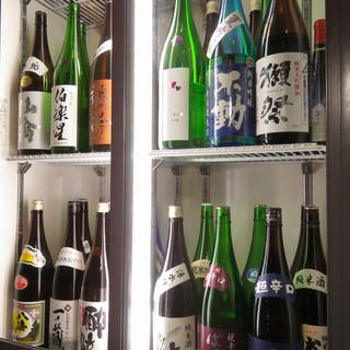 季節限定の日本酒と鹿児島の本格芋焼酎が当店のこだわり