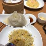 上海湯包小館 - 料理写真: