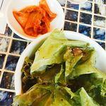 立吉餃子 - ランチのサラダとキムチ