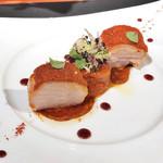 90540657 - 主菜 / 山形県産 さくらんぼ鶏 茜色の衣と共にグラチネ フランス・バスク地方をイメージして