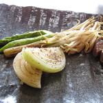 ステーキハウス 秀 - 旬の焼き野菜~グリーンアスパラガス・もやし・玉ねぎ