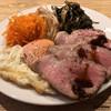origo - 料理写真:塩豚のロースト、目玉焼、キャロットラペ、独活の梅醤和え、発酵野沢菜と独活の油炒め