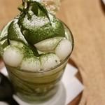 CAFE ARCA&CO. - モチモチの白玉が入った小倉抹茶ソフトクリーム