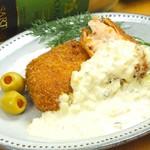 肉厚サーモンフライの自家製タルタルソース
