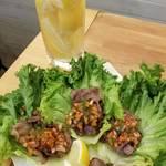 牛肉のレタス包み サルサソース
