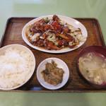 東生園 - ホイコーロ定食