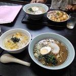 酒処らーめん康 - 料理写真:お昼のランチ⑦(手前)&⑥(奥)2018.08.07