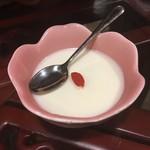 中華料理 大福園 - チビにサービスしてくれた杏仁豆腐