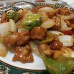Rokoushurou - メインの「腰果鶏丁」は出来たて熱々。今日の味付けはしょっぱ過ぎず辛くもなく....