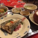 ベトナム料理クアンコム11 - サバのレモングラス揚げ定食