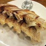 九州らーめん 亀王 - 焼き餃子(6コ) (¥280)