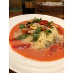 ペペロンチーノ - 冷製カッペリーニ(細麺)アサリとフレッシュトマトのソース添えです