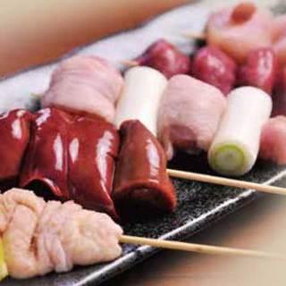 厳選地鶏『総州古白鶏』の炭火串焼が自慢!宴会・飲み会に◎