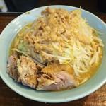 立川マシマシ - 中ラーメン。¥750