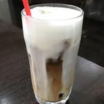 ふらのや - ドリンク写真:アイスカフェラテ