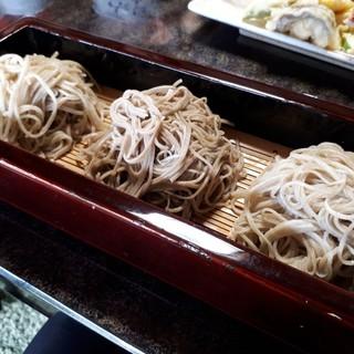 そば屋しみず - 料理写真:高ボッチ 蕎麦3種盛り合わせ