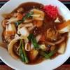 岩見沢サービスエリア(上り) - 料理写真:海鮮黒醤油あんかけ麺 880円