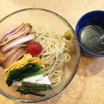 コムギ - 料理写真:冷やし750円。