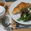 BOUL'ANGE - 料理写真:クロワッサンセット(コーヒー・オニオンスープ・サラダ付き):486円/2018年8月