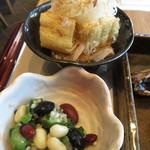 くずし割烹 ぼんた - 竹田の油揚げとおくらと三種豆の和え物