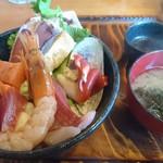 男鹿海鮮料理 三代目ほたる - 特海鮮丼