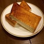 倉式珈琲店 - 厚切りトースト