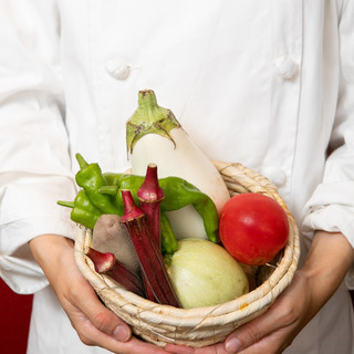 旬の食材を毎日市場から仕入れいています