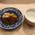 日本橋蛎殻町 すぎた - 名物の甘く炊いた鮟肝と新政の貴醸酒